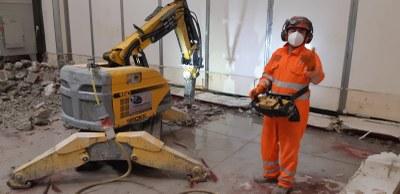 Demolizioni controllate nel settore alimentare: i vantaggi del robot radiocomandato